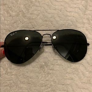 Large black Ray-Ban aviators